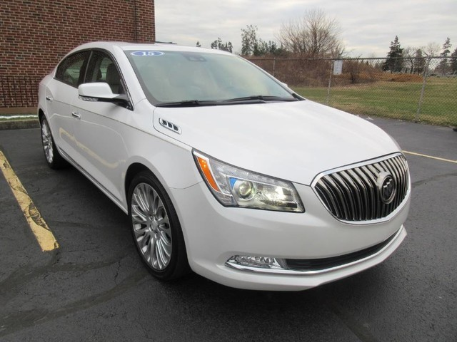 Pre-Owned 2015 Buick Lacrosse Sedan 4D Premium II