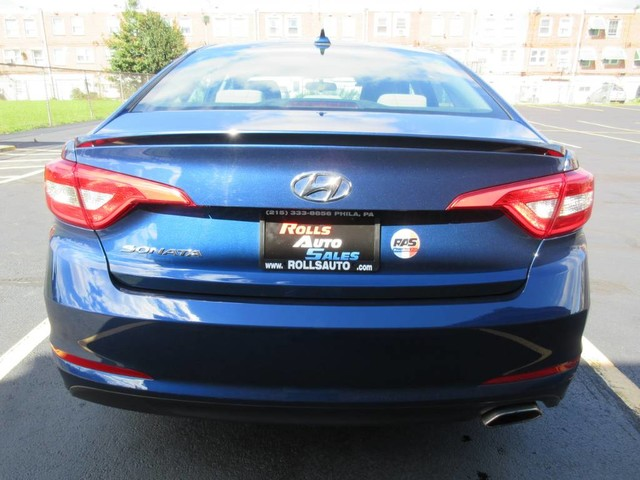 Pre-Owned 2015 Hyundai Sonata Sedan 4D SE I4