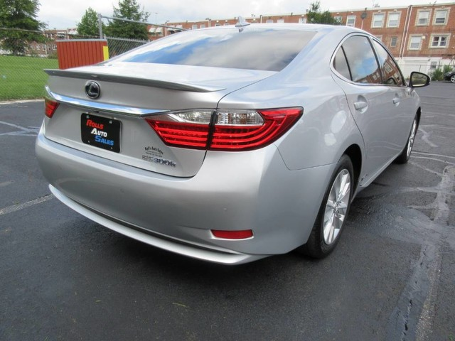Pre-Owned 2014 Lexus ES Sedan 4D ES300h Hybrid