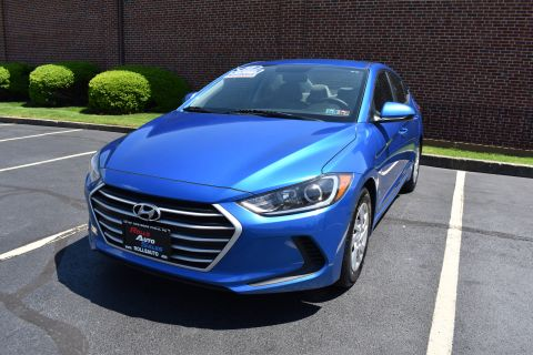 Pre-Owned 2017 Hyundai Elantra Sedan 4D SE I4